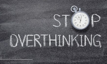 5 Signs That Shows You Are Overthinking Too Much In Your Life